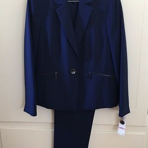 Le Suit from Macy's NWT